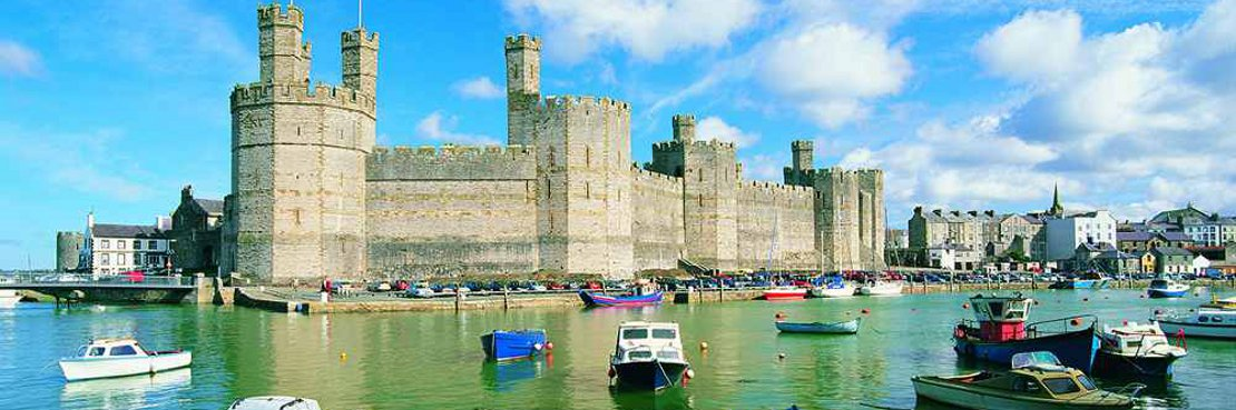 NOrth Wales Coast path walking holiday - Caernarfon